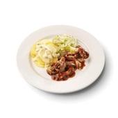 Culivers (46) varkensgeschnetzeltes in specerijenjus, koolrabi met kruiden en aardappelschotel met spek en ui