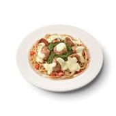 Culivers (44) varkenshaasstukjes in bearnaisesaus, spinazie à la crème en volkoren spaghetti