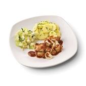 Culivers (69) vegetarische abdijbierschotel, selderiegroenten en aardappelschijfjes met peterselie