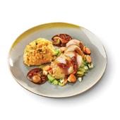 Culivers Culivers (3) Gebakken kippendij gestoofd in rode wijnsaus met diverse groenten een puree van aardappel en zoete aardappel met gember, selderij en koriander