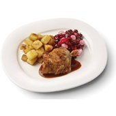 Culivers (35) kipkarbonade met kippenjus, rode bietjes met zilveruitjes en gebakken aardappeltjes