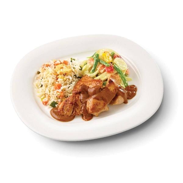 Culivers (97) kip in satésaus met sajour lodeh en nasi goreng zoutarm voorkant