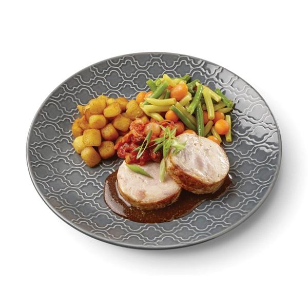 Culivers (76) kalkoenrollade met dragonjus en sjalot-tomatencompote, groentemix en gebakken krielaardappel voorkant
