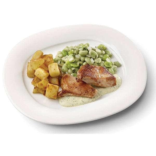 Culivers (24) kalkoenbiefstukjes in dragonsaus, tuinbonen met ui en tijm en gebakken aardappelblokjes voorkant